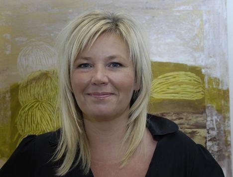 Anne-Marie Østersø besøger Torben E. Møller i Hobro