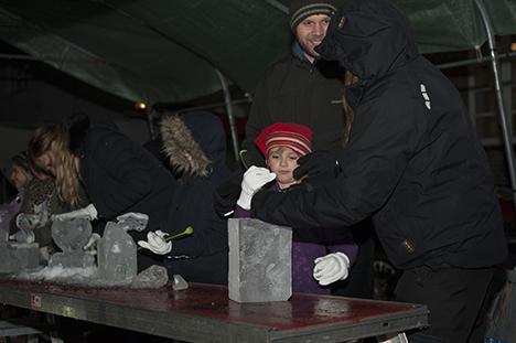 Flotte Isskulpturer blev skabt til Christmas Night
