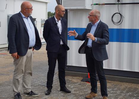 Pihl og Prehn besøgte den nye brintfabrik i Hobro