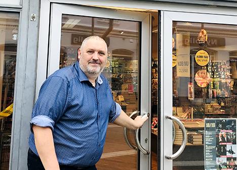 I dag fejrer byens lokale boghandler i Hadsund 70 år på samme adresse