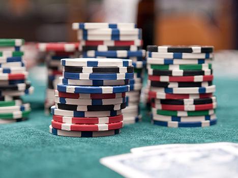 Spil kun på online casinoer der opfylder danske licens-krav