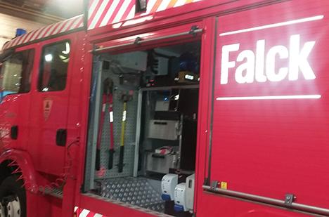 Lagerbygning ved Hadsund med svære brandskader