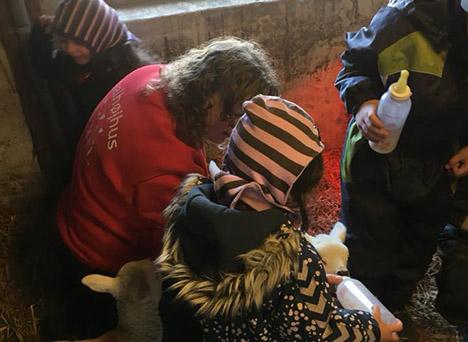 Børnehavebørn besøgte Svalhøjhus