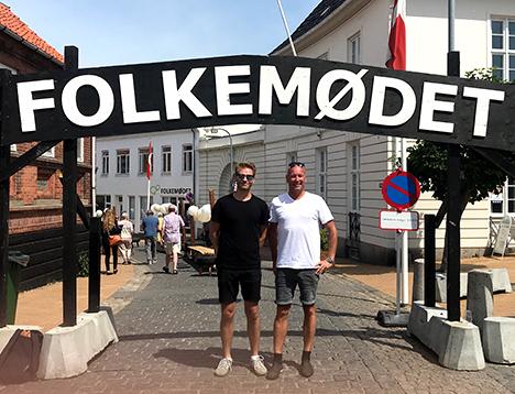 To politikere fra byrådet i Mariagerfjord på folkemøde