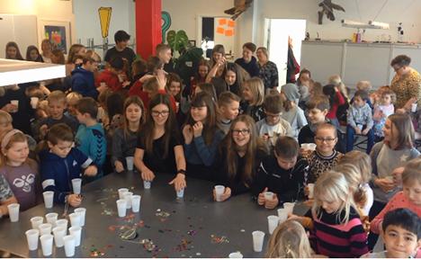 Astrup Friskole afholdt traditionen tro nytårstaffel på årets første skoledag