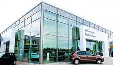 Lokal bilhandler har været i branchen i 65 år