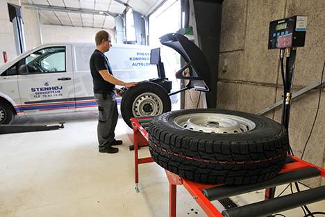 Dækcenter hos Jan´s Auto får nye maskiner