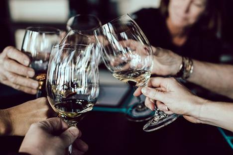 Danskerne: Vi drikker for meget