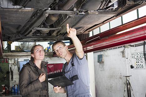 Ny beregning: Benzin- og dieselbiler skal slides op inden omstilling til el