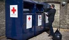 Røde Kors i Arden: Win-win at smide tøjet