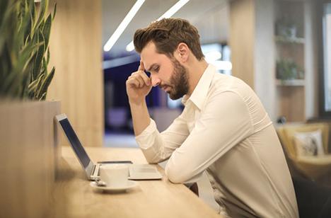 En guide til en hovedpinefri arbejdsdag i det åbne kontorlandskab