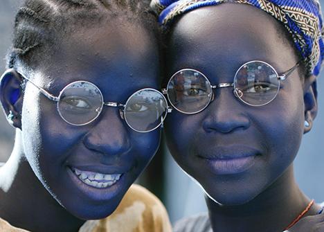 Lions Hobro indsamler briller ved Folketingsvalget