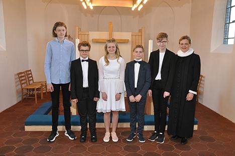 Se årets konfirmander | Øster Hurup Kirke