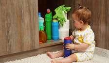 Alt for få småbørnsforældre børnesikrer hjemmet