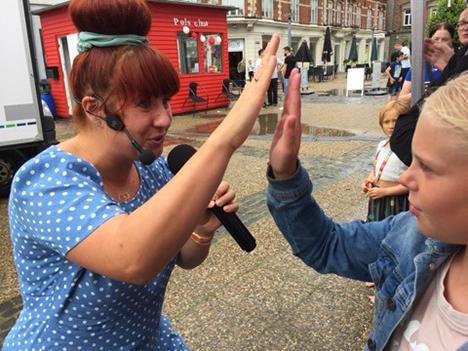 Skybryd i Hobro gav ekstra oplevelse for Katrine Bille fans