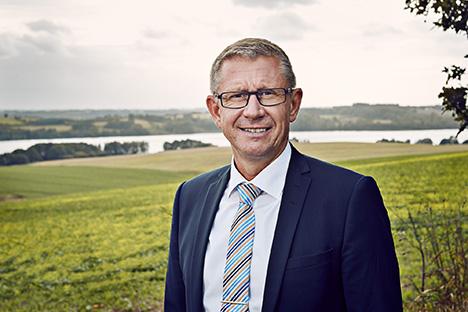 Salget af Danske Andelskassers Banks aktier i Sparinvest er godkendt