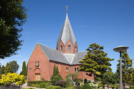 Lad være med at lufte din hund på Hadsund Kirkegård, når du ikke kan finde ud af at samle op!