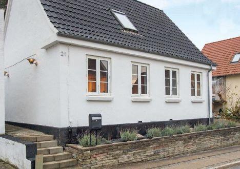 Ugens Home - Godt udnyttet, renoveret og moderniseret byhus m/gårdhave