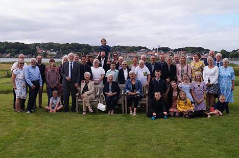 Hele familien samlet til 100 års fødselsdag