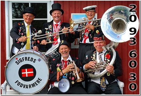 Musikalsk stemning på Handest station på søndag