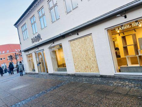 Hærværk mod butik i Hobro
