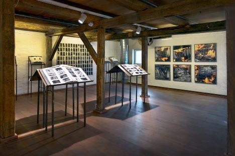 Udstilling i Kunstetagerne: Skyggebibliotekets Spejl