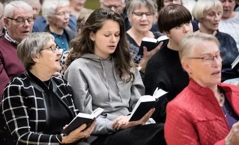 Fællessang og fællesspisninger skal skabe nye fællesskaber